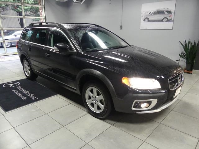 Pre-Owned 2013 Volvo XC70 3.2